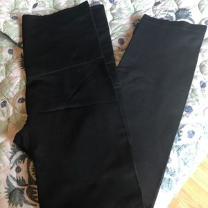 NWOT Black shaping leggings
